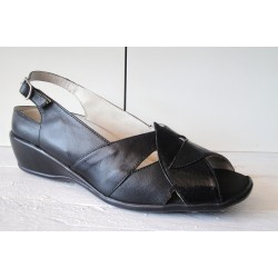 Leather sandal with wedge...