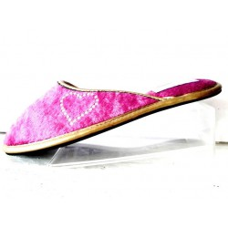 Pink house slippers with heart