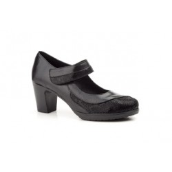 Black leather shoes with...