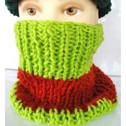 Green scarf wool neck handmade
