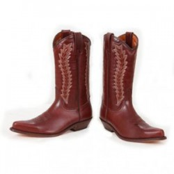 Cowboy boots in brown...